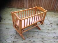 Baby rocking crib bed
