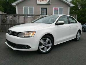 2013 Volkswagen Jetta Comfortline | Moonroof | 6 Speed | TDi |