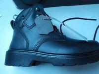 BLACKROCK PERFORMANCE FOOTWEAR - TREKKING BOOT - SIZE 5 - STEEL TOE CAP