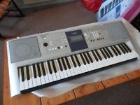 Yamaha PSR E323 keyboard , (weighed keys) in excellent condition