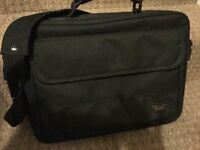Black laptop case. As new. Good condition.