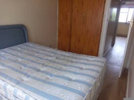 £120pw Double room available in Edmonton ,Couples welcome ,No DSS