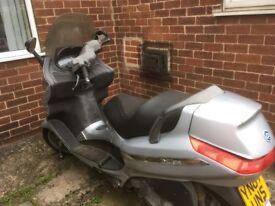 Piaggio x 8 125 scooter