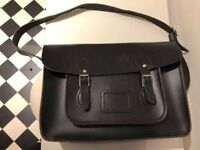 Classic Retro Cambridge Satchel Company Satchel in Black Leather (15 Inches)