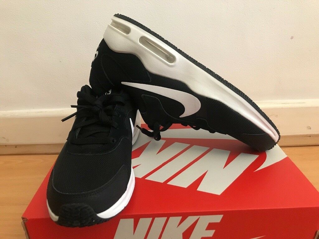 150d3ae6be70 Nike Men s Air Max Guile Competition running Shoes