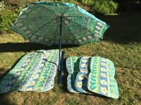 Garden lounger & chair cushions with parasol