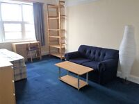 Large bright double room to rent in Hendon Central , £ 550 pm .