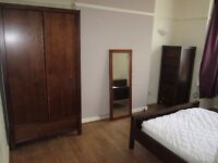 Bright & Spacious Double Room Available In Bearwood.