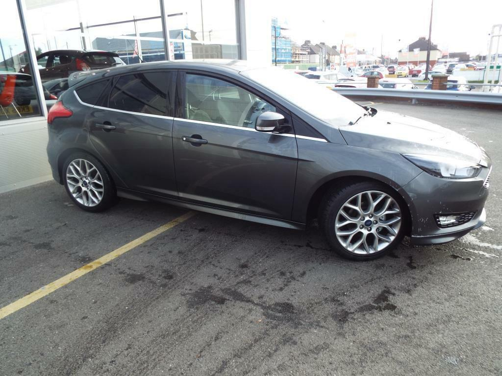 ford focus 1 0 ecoboost 125 zetec s 5dr grey 2015 09 30 in braintree essex gumtree. Black Bedroom Furniture Sets. Home Design Ideas