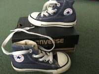 Blue Converse size 6 (young child size)