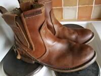 Caterpillar viscon boots