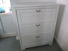 White Shabby chic type bedroom furniture (also have chairs/mirror if interested)