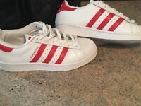 Adidas trainer size 3 and 4