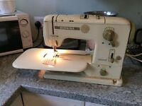 BERNINA VINTAGE SEWING EMBROIDERY MACHINE RECORD MODEL 730