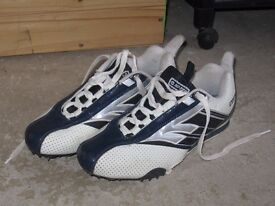 RUNNING SPIKES SIZE 5