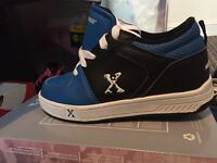 Boys balck and blue heely xcross type trainers boots size 1 £15