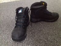 Himalayan boots 5206 Size 12 UK Safety Boots