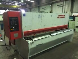 EDWARDS PEARSON VR 3080 MM X 10 MM CNC VARIABLE RAKE HYDRAULIC GUILLOTINE SHEAR.