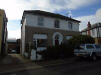 High Street, Ramsgate - 2 Bedroom House, can be let furnished or unfurnished.