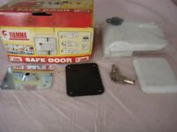 FIAMMA SAFE DOOR SECURITY LOCK MOTORHOME CARAVANS AND HORSEBOXES.