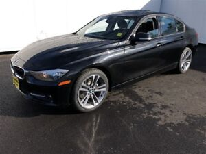 2015 BMW 3 Series 320i xDrive, Leather, Sunroof, AWD