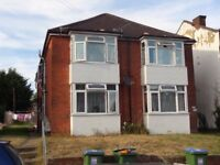 2 Bed Flat Broadlands Road **Available 01/12/2017** Comes with private garden