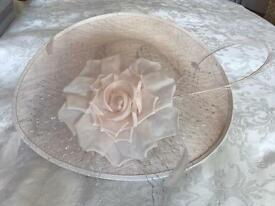 Ladies designer hat pale pink in colour
