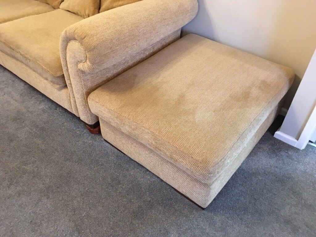 ***Reduced further needs to go! 3 seater sofa and foot stool