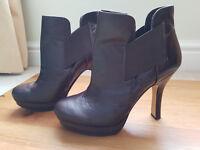 Nine West Taupe leather high heeled shoe