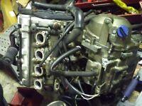 Kawasaki zx600r engine and box.