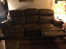 Kansas Reclining 3 seater brown leather sofa. Very good condition.