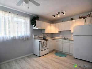 $250,000 - Townhouse for sale in Richfield Edmonton Edmonton Area image 2