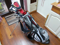 WILSON STAFF DI7 IORNS 3-PSW VERY GOOD CONDITION ADULTS GOLF CLUBS