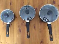 3 saucepans