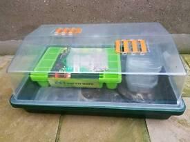 Electric propagator & seed trays