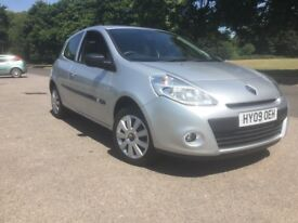 Exceptional low mileage Clio, almost as new !