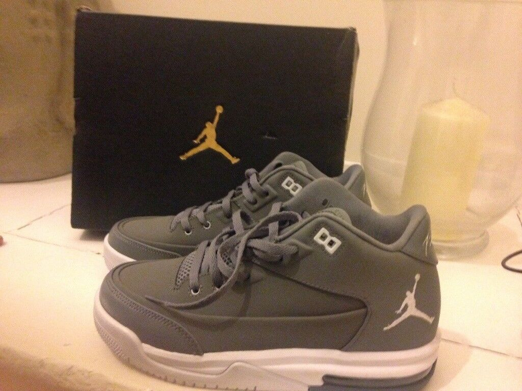 Grab a bargain with this lovely Jordan Trainers size 6