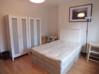 WONDERFUL!! Double room, fully furnished, available NOW! - Close to SHADWELL STATION - NO AGENCY FEE