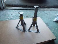1 pair of axle stands for sale