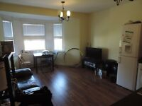 Richmond Crescent, Roath, 3 Bed Flat