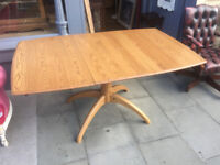 ERCOL Windsor Pedestal Table - Excellent Condition. Has extension .