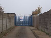 Garages to Rent: Grove Rd, Houghton Regis - GATED SITE - ideal for storage/ car etc, available now