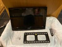 Samsung 32 inch flat screen HD with wall bracket