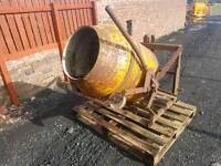 Tractor three point linkage pro driven cement mixer