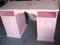childs desk
