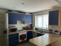 3 bedroom house in Barton Close, London, E6 (3 bed) (#922071)