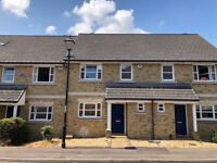 3 bedroom house in Marshall Square. Available 01/10/18