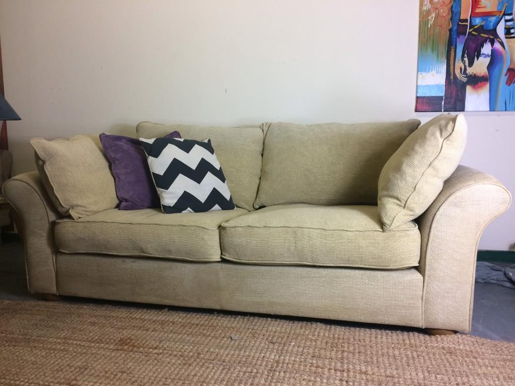 Collins And Hayes 3 Seater Sofa Rrp 163 1425 In Kingswood
