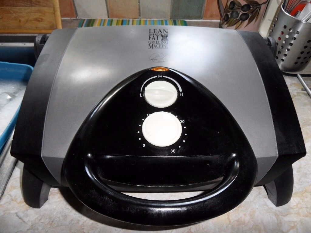 GEORGE FOREMAN LEAN MEAN GRILL - VERY LITTLE USE.