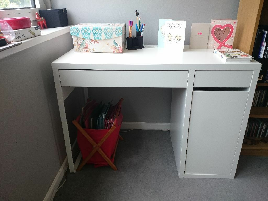 white ikea micke desk excellent condition and barely used in greenwich london gumtree. Black Bedroom Furniture Sets. Home Design Ideas